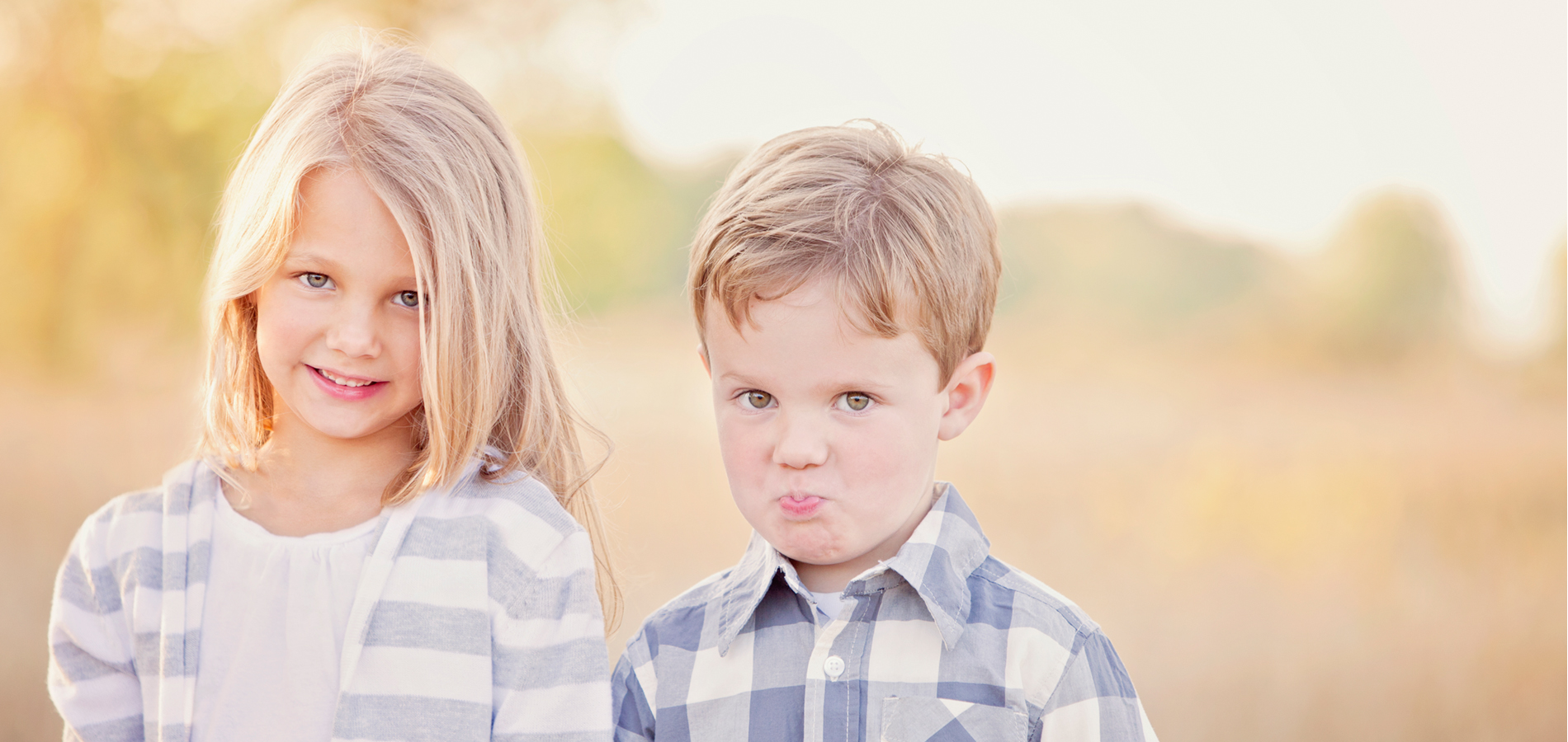 child-siblings-funny-candid